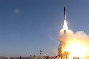 Hệ thống phòng không cực mạnh của Israel 'khạc lửa', đánh chặn rocket từ Syria