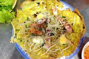 Nức lòng món bánh xèo mực vừa quen vừa lạ ở Nha Trang