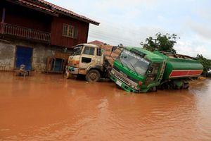 Hình ảnh Atteapeu ngập trong bùn đỏ sau vụ vỡ đập thủy điện tại Lào