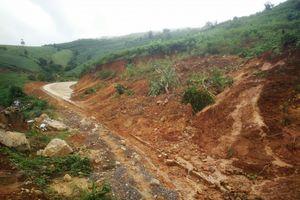 Kon Tum: Dân khốn khổ bởi đường trăm tỷ chưa bàn giao đã tan hoang