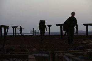 Syria giành lại tỉnh Quneitra, giương cờ thắng lợi ngay cửa ngõ Israel