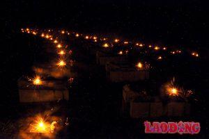 Lung linh nghìn ngọn nến tri ân các anh hùng liệt sĩ tại nghĩa trang liệt sĩ quốc gia Nầm