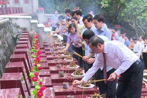 Tuyên Quang: Lãnh đạo huyện Na Hang viếng nghĩa trang tưởng niệm các anh hùng liệt sỹ