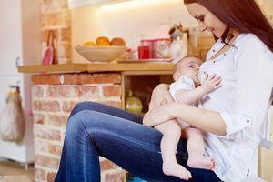 Những việc mẹ cần làm ngay sau khi mang bầu và sinh để con cả năm không ốm
