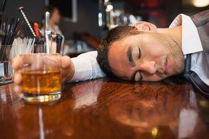 Nguyên nhân bất ngờ khiến anh chồng nát quyết tâm bỏ rượu