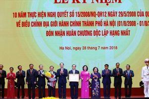 Hà Nội đón nhận Huân chương Độc lập Hạng Nhất sau 10 năm mở rộng