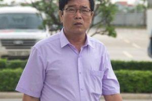 Bố Lương Xuân Trường 'thị sát' con trai tập luyện ở PVF