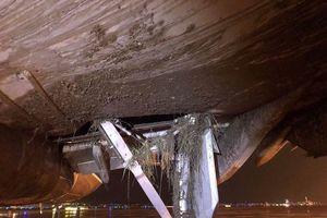Máy bay Vietnam Airlines hạ cánh lệch đường băng tại Nội Bài