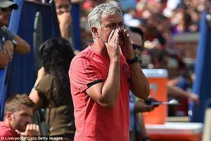 Thảm bại trước Liverpool, HLV Mourinho khuyên người hâm mộ đừng phí tiền xem M.U đá bóng