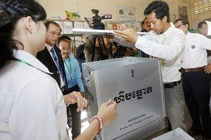 Hình ảnh cử tri Campuchia đi bầu cử Quốc hội khóa VI