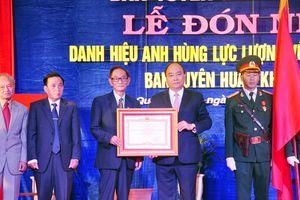 Ban Tuyên huấn Khu ủy Khu V đón nhận danh hiệu Anh hùng LLVTND