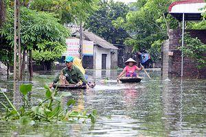 Người dân ngoại thành Hà Nội bị bủa vây trong 'lũ rác'