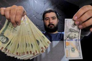 Đồng tiền của Iran mất giá kỷ lục trước ngày Mỹ tái áp trừng phạt