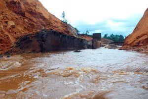 Từ vỡ đập thủy điện Lào nghĩ tới an toàn của 7.000 hồ chứa tại Việt Nam