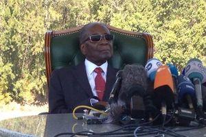 Cựu Tổng thống Zimbabwe lần đầu phát biểu công khai sau khi bị lật đổ