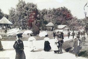 Hình ảnh hiếm về 'vườn thú người' ở Pháp thời xưa