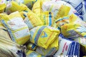 TP.HCM: Phát hiện, thu giữ 500 tấn phân urê không rõ nguồn gốc