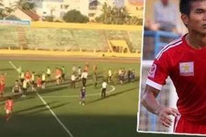 Cầu thủ Việt 'mất nghiệp' vì đuổi đánh trọng tài