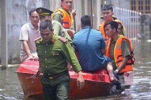 Chủ tịch Hà Nội: Thành phố không thờ ơ với người dân vùng lũ