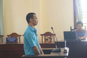 Hung thủ khóa trái cửa, phóng hỏa đốt nhà hàng xóm lĩnh án 13 năm tù