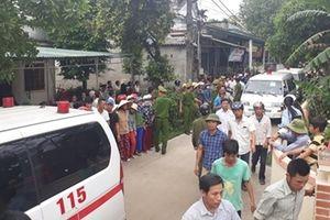 7 chiếc xe cứu thương rẽ vào làng Lương Điền, nỗi đau không gì bù đắp nổi