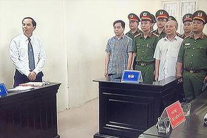 Làm lộ bí mật nhà nước, Vũ 'nhôm' lĩnh án 9 năm tù
