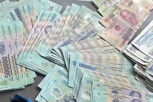 Tìm hành khách quên ví có hàng chục triệu đồng trên taxi ở TPHCM