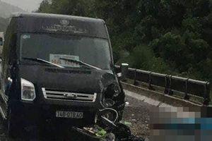 Ô tô Limousine lấn trái tông tử vong người chạy xe máy