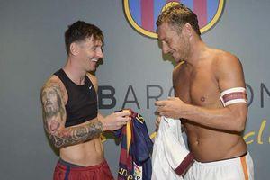 Nếu Messi về AS Roma, Totti sẽ ra sân bay đón và trao áo số 10