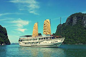 Trải nghiệm lộng gió trên du thuyền hoàng gia Indochina Sails