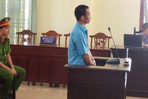 Gã tâm thần mang xăng phóng hỏa định giết 8 người lãnh án