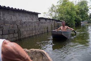 Vỡ đê Bối ở Hà Nam: Người dân Đinh Xá 'chìm nổi' trong dòng nước lũ