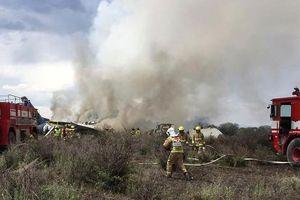 Máy bay rơi ngay sau khi cất cánh ở Mexico, 85 người bị thương