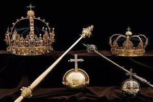Thụy Điển: 2 vương miện cùng quả cầu hoàng gia bị đánh cắp táo tợn