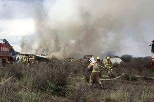 Máy bay chở 100 người rơi tại Mexico