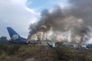 Hàng trăm người thoát nạn kỳ diệu sau vụ rơi máy bay kinh hoàng ở Mexico