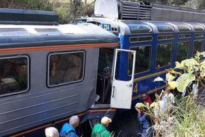 Hai tàu hỏa đâm nhau gần thành cổ Peru