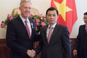 Cựu Đại sứ Mỹ tại Việt Nam nhận Huân chương Hữu nghị