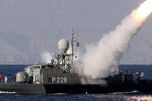 Iran kéo quân đến cửa vịnh Ba Tư, Mỹ bồn chồn, Israel 'nổi đóa'