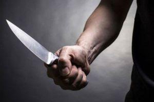 Bị chém đứt gân chân sau khi cãi vã với người phụ nữ