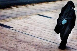 Đan Mạch chính thức cấm khăn trùm đầu Hồi giáo ở nơi công cộng