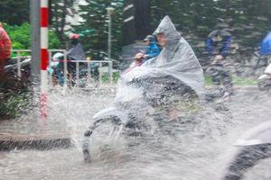 Thời tiết ngày 2/8: Mưa dông tiếp tục bao trùm Bắc Bộ