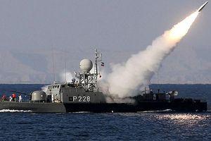 Iran tập trận quy mô lớn ở vùng Vịnh, Mỹ báo động cao