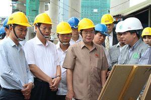 Đoàn giám sát của QH khảo sát 2 công trình trọng điểm tại Hà Nội