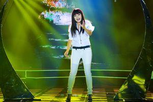 Hơn 25 năm trên sân khấu, Phương Thanh vẫn 'sung sức' như lúc mới vô nghề