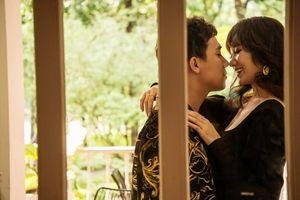 Vợ chồng Trấn Thành – Hari Won tung bộ ảnh cực kì tình tứ kỷ niệm 17 tháng kết hôn