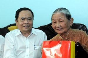 BẢN TIN MẶT TRẬN: Chủ tịch Trần Thanh Mẫn: Nên tổ chức chấm xác suất bài thi THPT trên cả nước