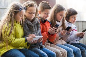 Trường Tiểu học, Trung học nước Pháp: Cấm học sinh sử dụng smartphone