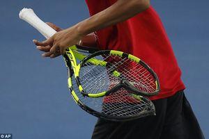 Benoit Paire đập 3 cây vợt tennis vì mất bình tĩnh