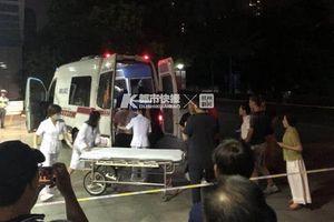 Xe đạo cụ lật, hơn 10 người trong đoàn phim TQ bị thương nặng